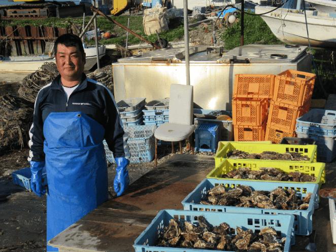 牡蠣漁師日向さん